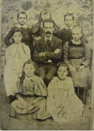 Headmaster of Bishopsteignton Primary School and children WW1