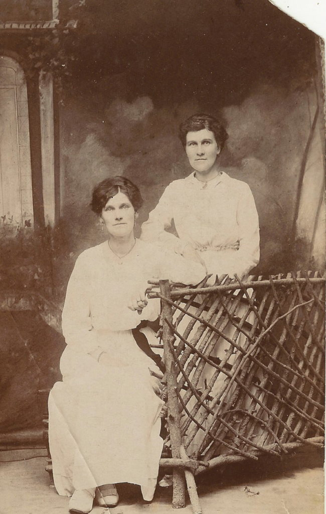 Nan Dilley and cousin Rose 1918