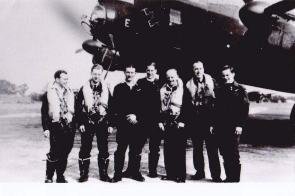 The crew of PA285