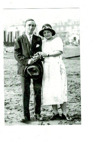 Wilfred & Gladys on Teignmouth beach 1925