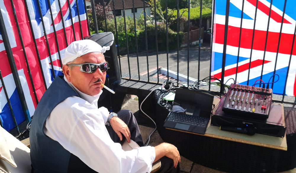 40s DJ in the sunshine VE Day 75