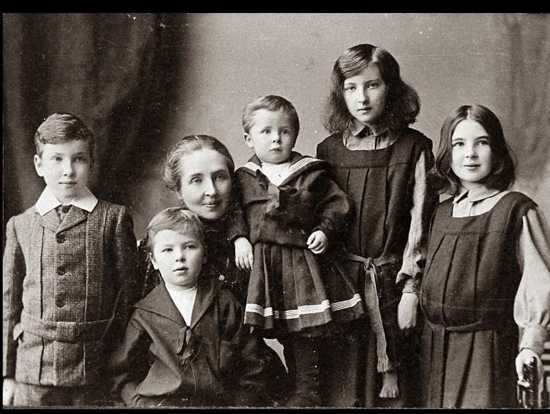 1904: Robert, Charles, Amy, John, Clarissa, Rosaleen