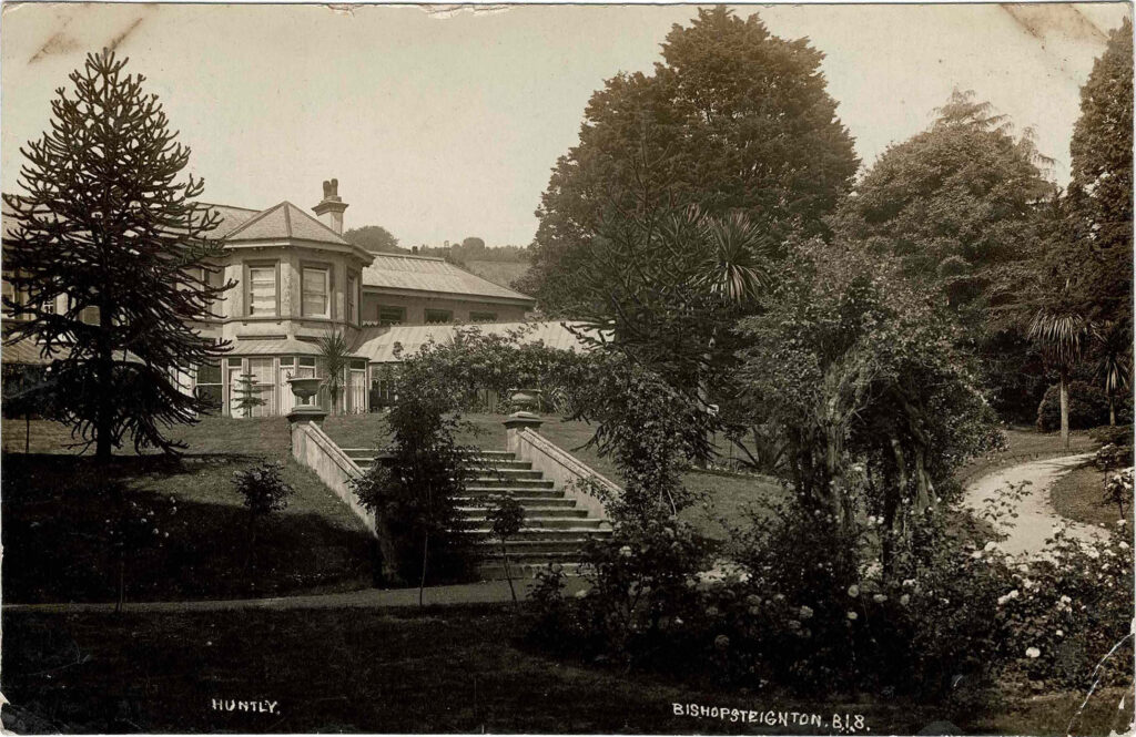 Postcard of front view of Huntly, 1911