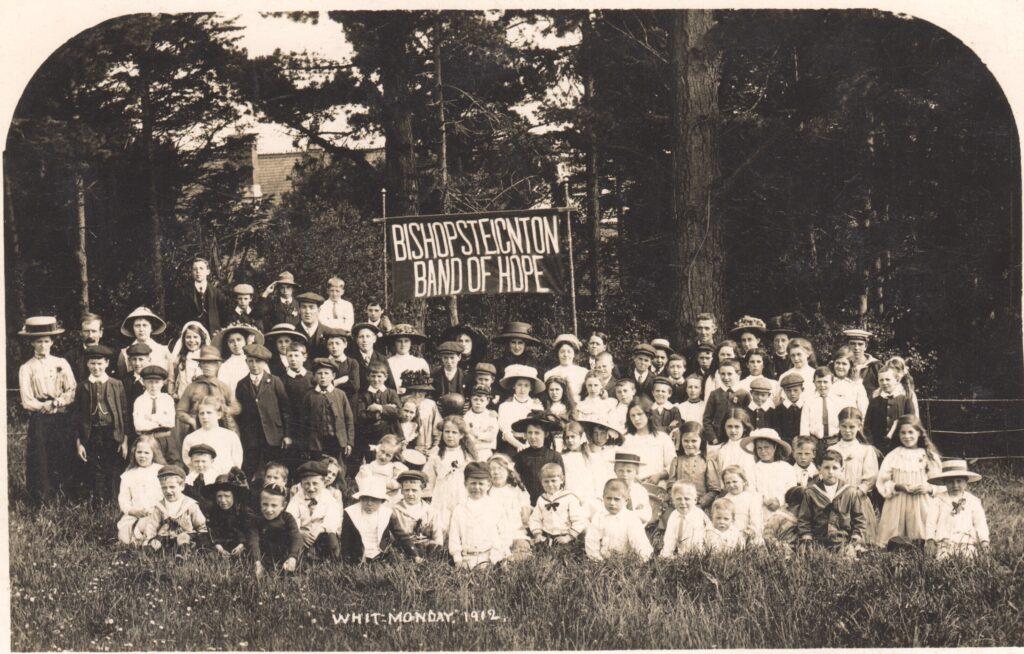 Postcard of Bishopsteignton Band of Hope at Huntly