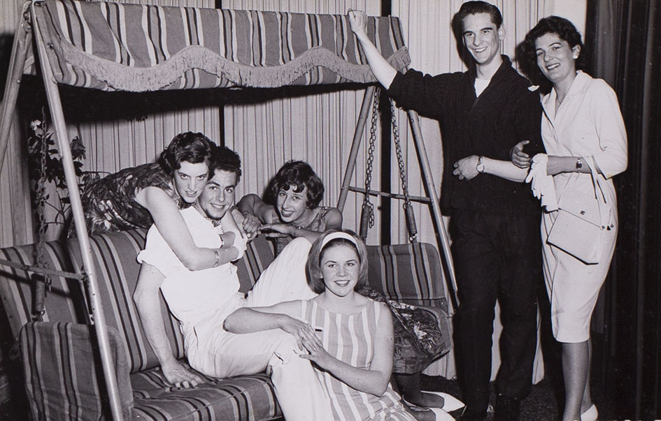 Photograph of cast members in the play 'Ring o' Roses