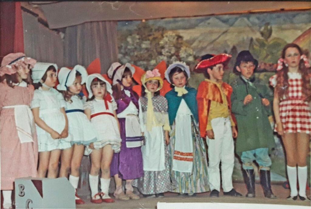 Bishopsteignton Children's Theatre cast of Wizard of Oz, 1972/3