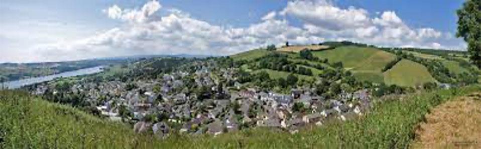 Bishopsteignton Village panorama